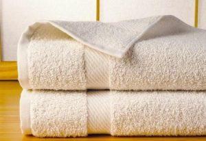Massage aux serviettes chaudes